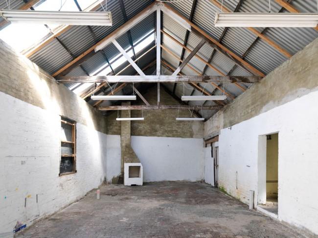 Cải tạo nhà kho cũ thành nhà cấp 4 với không gian sống đẹp hiện đại, gần gũi với tự nhiên - Ảnh 3.