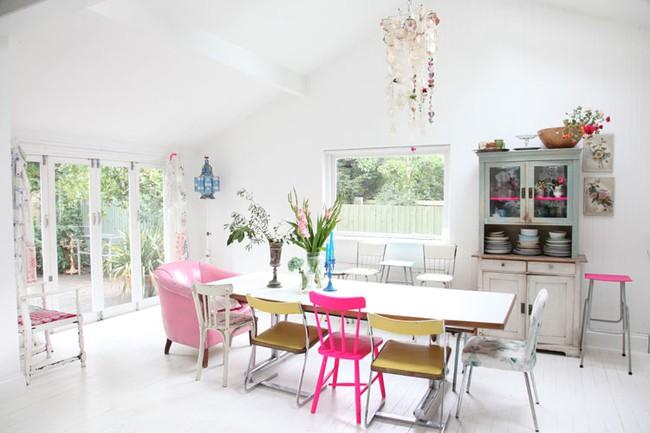 3 ý tưởng kết hợp đồ nội thất cho phòng ăn nhà bạn đẹp độc đáo - Ảnh 2.