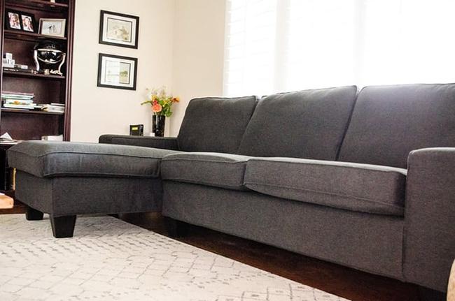 7 cách hay giúp bạn tận dụng tối đa phòng khách để lưu trữ đồ - Ảnh 4.