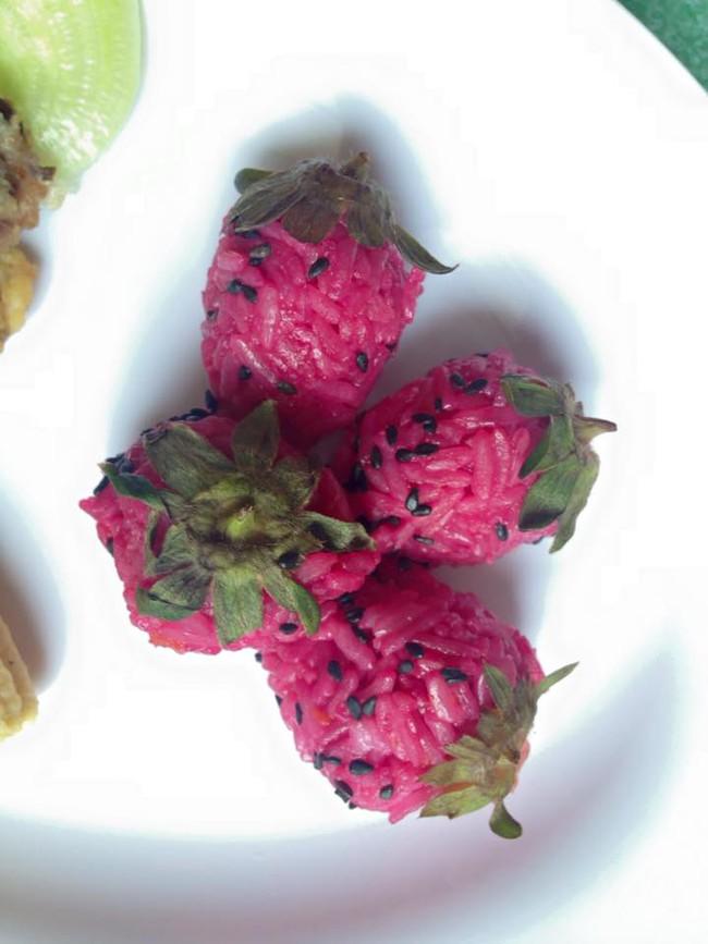 Học lỏm mẹ Việt cách trang trí món ăn dặm cho con đầy màu sắc - Ảnh 3.