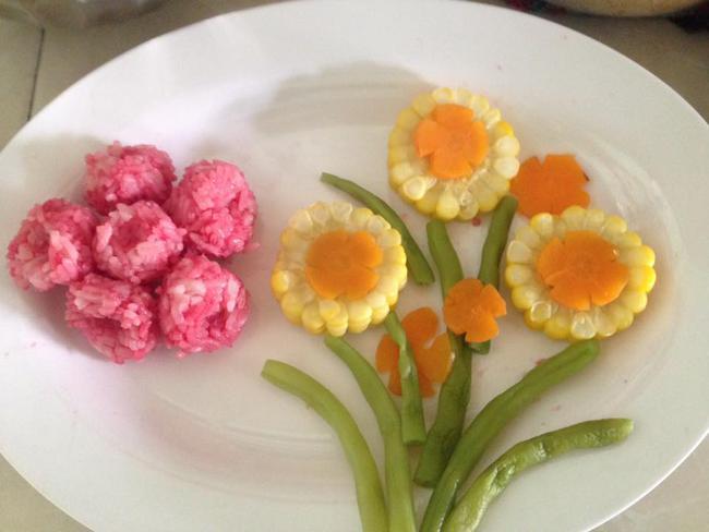 Học lỏm mẹ Việt cách trang trí món ăn dặm cho con đầy màu sắc - Ảnh 10.