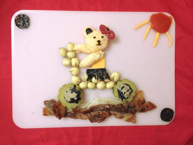 Học lỏm mẹ Việt cách trang trí món ăn dặm cho con đầy màu sắc - Ảnh 1.