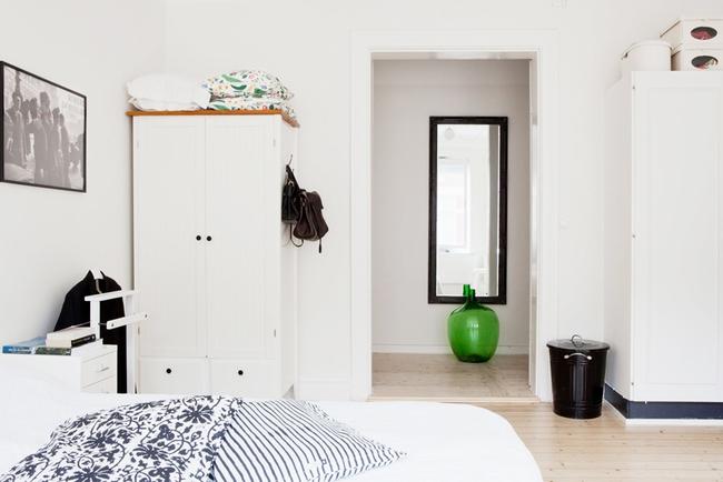 Căn hộ nhỏ khiến vạn người nhung nhớ với cách trang trí nhà tinh khôi sắc trắng - Ảnh 7.