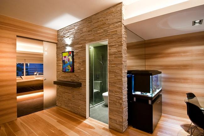 Ghé thăm căn hộ cao cấp vô cùng sang chảnh với sự kết hợp hài hoà giữa gỗ và ánh sáng - Ảnh 4.