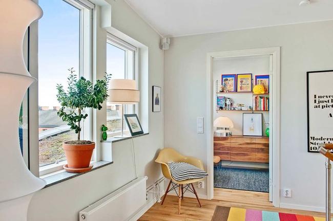 Căn hộ hai tầng đẹp tinh tế và hiện đại với phong cách tối giản - Ảnh 6.