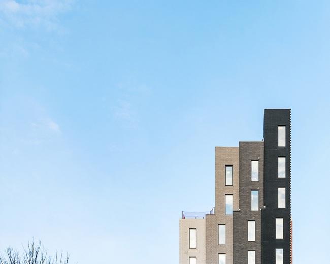 Căn hộ chung cư có diện tích chỉ khoảng 16m² nhưng không thiếu một khu vực chức năng nào mà lại còn đẹp đến ngẩn ngơ - Ảnh 1.