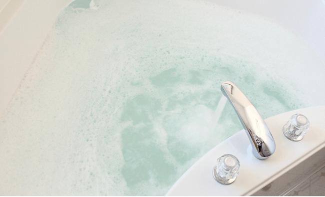 Làm sạch bồn tắm không hề khó nếu thực hiện theo đúng 5 bước gợi ý dưới đây - Ảnh 6.