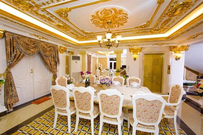 Ngắm trọn vẹn biệt thự triệu đô dát vàng xa hoa theo phong cách hoàng gia của Lý Nhã Kỳ - Ảnh 11.