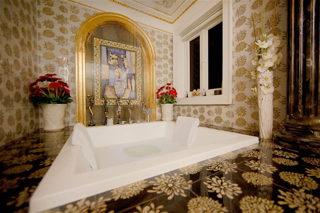 Ngắm trọn vẹn biệt thự triệu đô dát vàng xa hoa theo phong cách hoàng gia của Lý Nhã Kỳ - Ảnh 16.