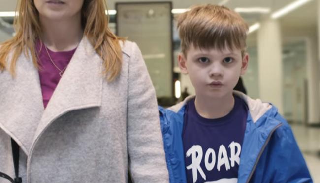 Đừng bỏ qua video này để hiểu rõ hơn về thế giới hỗn loạn trong mắt những đứa trẻ tự kỷ - Ảnh 2.