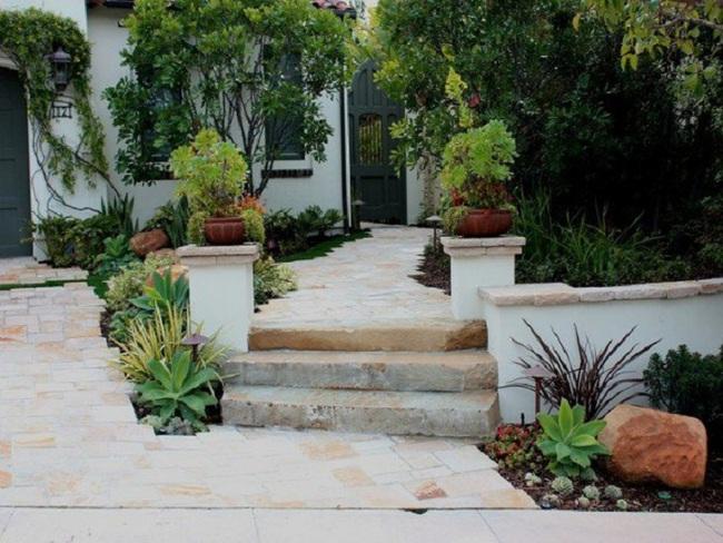 Sân vườn nhỏ không thành vấn đề, vẫn có thể xinh lung linh như thế này nhé - Ảnh 3.