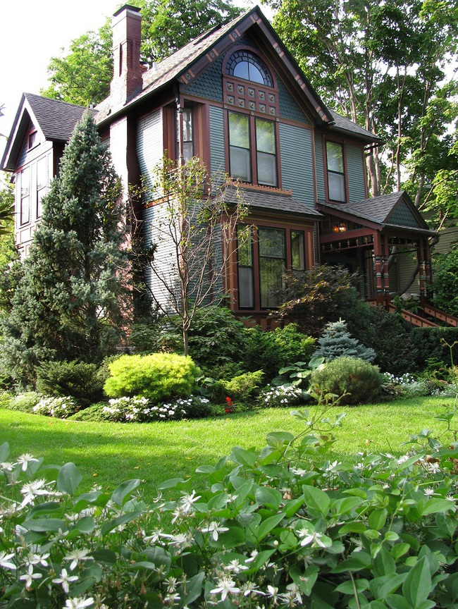 Sân vườn nhỏ không thành vấn đề, vẫn có thể xinh lung linh như thế này nhé - Ảnh 9.