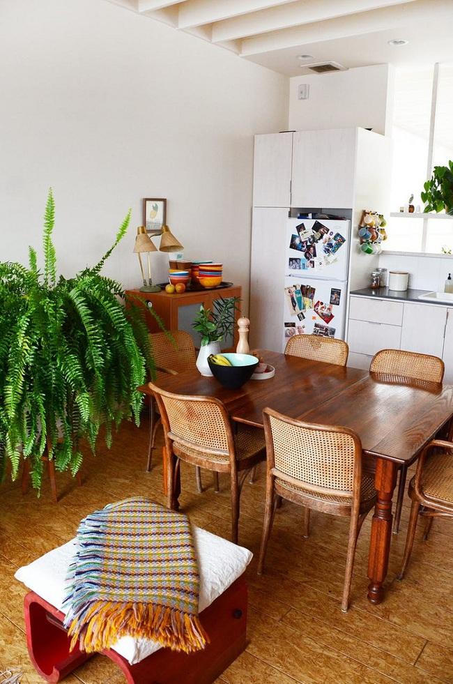 Ngôi nhà được trang trí bằng đồ cũ và đồ tái chế của hai người phụ nữ làm xôn xao cả giới thiết kế - Ảnh 2.