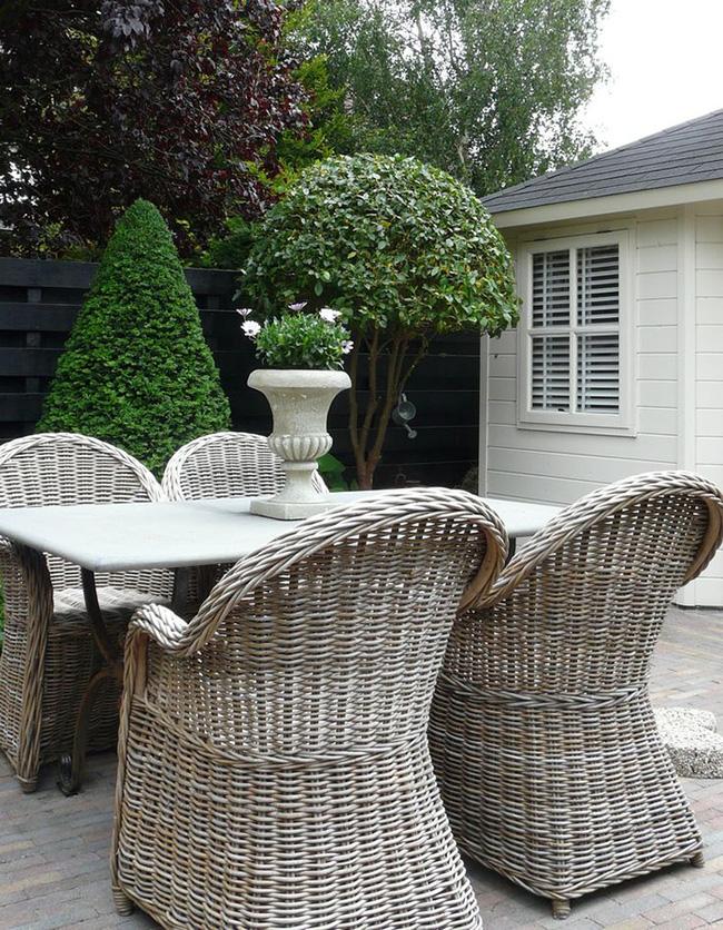 24 mẫu bàn ghế xinh yêu cho khu vực ăn uống và nghỉ ngơi ngoài trời - Ảnh 22.