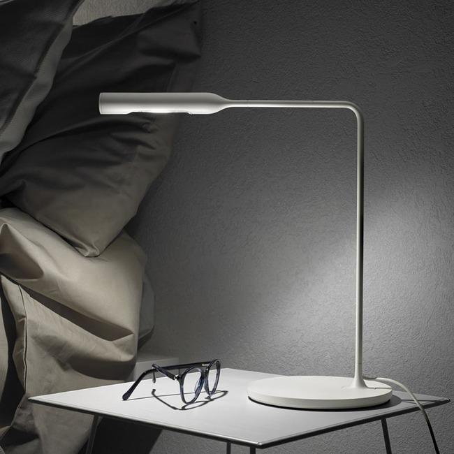 Đèn ngủ để bàn – món đồ chẳng thể thiếu trong không gian phòng ngủ - Ảnh 1.