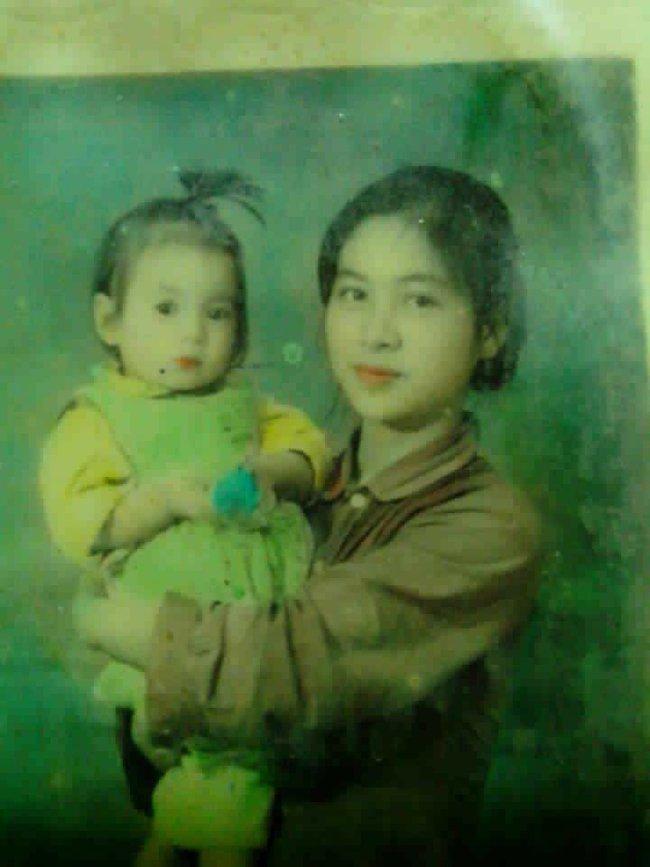 Thuở mười tám đôi mươi, mẹ chúng ta đều là những giai nhân đẹp nao lòng không cần son phấn - Ảnh 1.