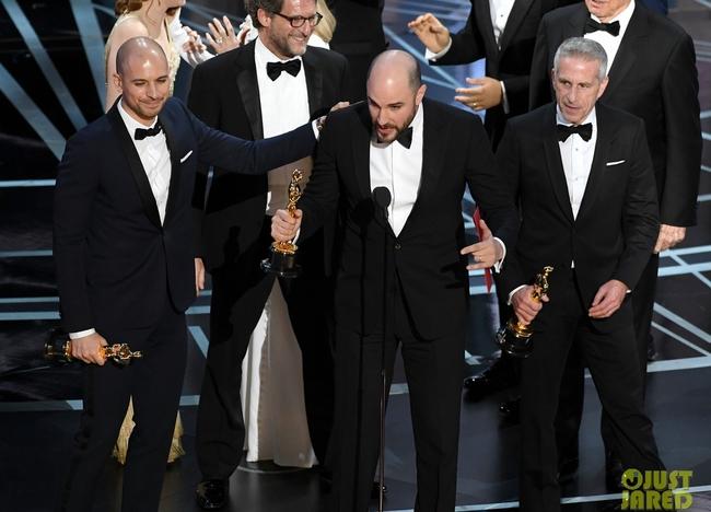 Oscar 2017 gây ngã ngửa vì màn trao giải nhầm cho La La Land - Ảnh 4.