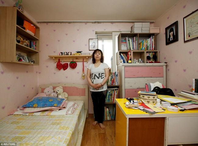 3 năm sau thảm kịch chìm phà Sewol, cha mẹ các em học sinh xem con mình chỉ đi xa dài ngày - Ảnh 13.