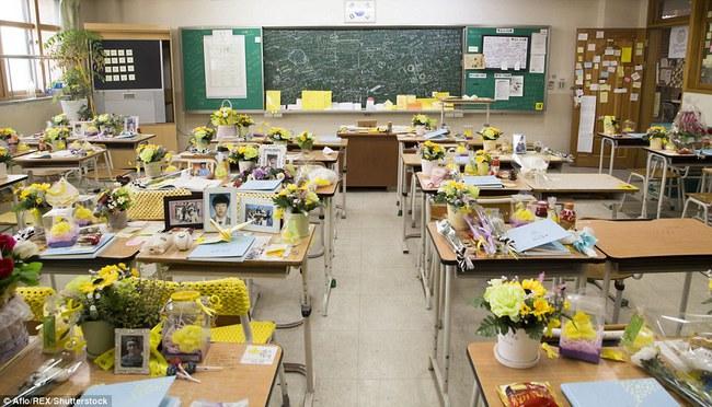 3 năm sau thảm kịch chìm phà Sewol, cha mẹ các em học sinh xem con mình chỉ đi xa dài ngày - Ảnh 18.