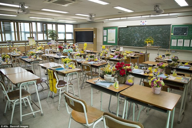 3 năm sau thảm kịch chìm phà Sewol, cha mẹ các em học sinh xem con mình chỉ đi xa dài ngày - Ảnh 20.