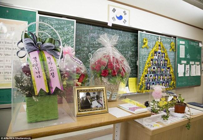 3 năm sau thảm kịch chìm phà Sewol, cha mẹ các em học sinh xem con mình chỉ đi xa dài ngày - Ảnh 21.
