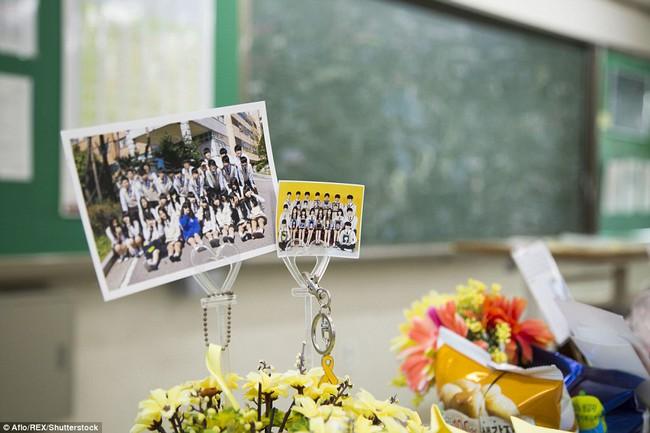 3 năm sau thảm kịch chìm phà Sewol, cha mẹ các em học sinh xem con mình chỉ đi xa dài ngày - Ảnh 22.
