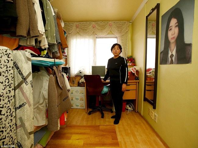 3 năm sau thảm kịch chìm phà Sewol, cha mẹ các em học sinh xem con mình chỉ đi xa dài ngày - Ảnh 5.
