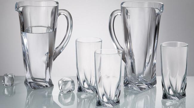 Làm sạch ly thủy tinh lúc nào cũng trông y như mới, tưởng khó mà dễ - Ảnh 2.