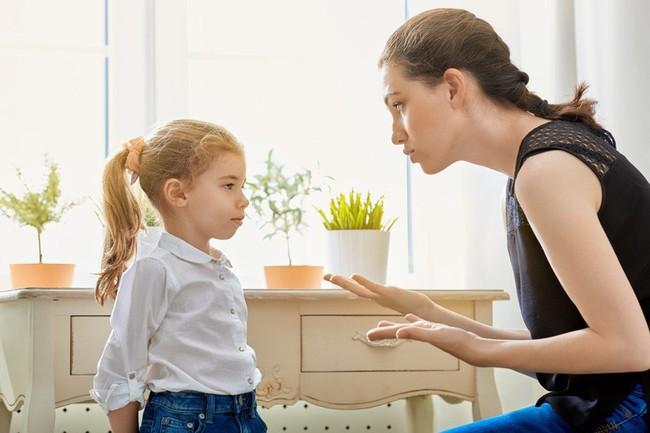 Đừng mắng: Con nít hỏi làm gì! mà hãy làm thế này khi con tò mò về vùng kín của mình - Ảnh 1.