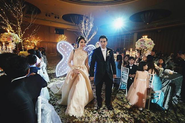 Đừng choáng khi xem những đám cưới chất chơi hiếm có của các cặp đôi lắm tiền nhiều của này - Ảnh 18.