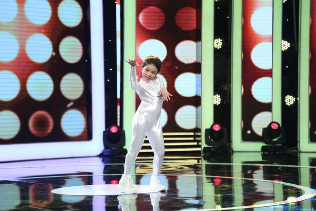 Ca nương nhỏ tuổi nhất Việt Nam Tú Thanh bất ngờ xuất hiện ở Biệt tài tí hon - Ảnh 8.