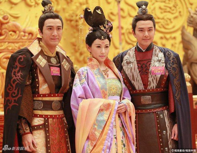 Cung tâm kế 2 rục rịch lên sóng, dàn mỹ nữ TVB bỗng chốc loè loẹt thế này - Ảnh 15.