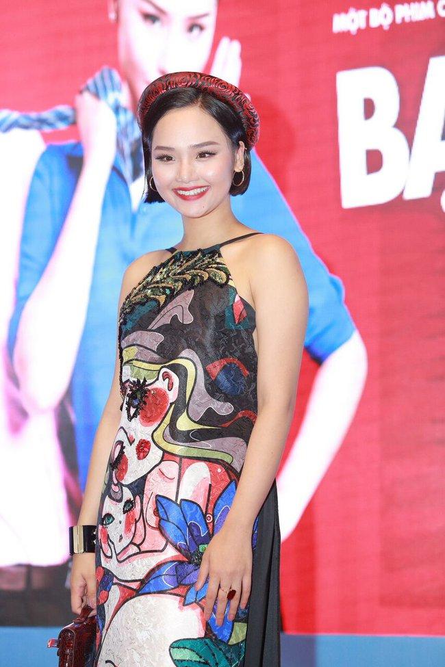 Miu Lê gây chú ý khi diện áo yếm khoe trọn lưng trần và hình xăm - Ảnh 1.