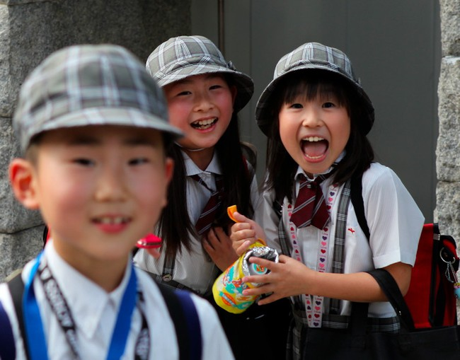 Trẻ em Nhật đã được trang bị kĩ năng gì để tự đi bộ đến trường mà vẫn an toàn - Ảnh 2.