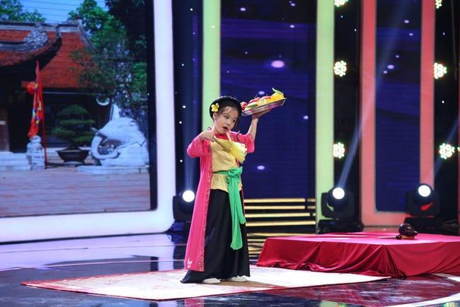 Ca nương nhỏ tuổi nhất Việt Nam Tú Thanh bất ngờ xuất hiện ở Biệt tài tí hon - Ảnh 4.