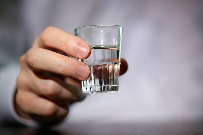 Thức uống này không lạ lẫm gì ở Việt Nam nhưng cũng có người đã mất mạng vì ngộ độc - Ảnh 4.
