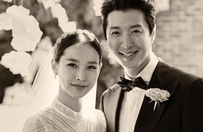 Lee Dong Gun bất ngờ trải lòng sau 1 năm yêu đương rồi kết hôn chớp nhoáng với bao thị phi cùng Jo Yoon Hee - Ảnh 1.