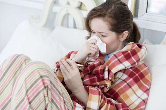Khoa học bật mí lý do cơn cảm cúm của bạn nghiêm trọng hơn so với nhiều người khác - Ảnh 1.