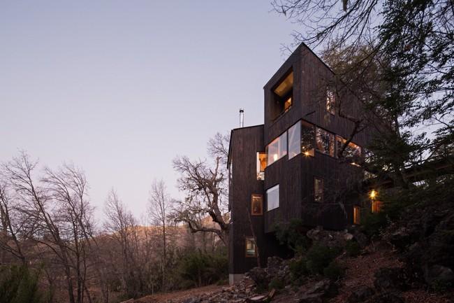 Ngôi nhà sở hữu view đẹp yên bình đến mê người cho những ai muốn đi trốn khỏi sự ồn ào của phố thị - Ảnh 1.