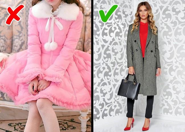 8 kiểu trang phục không chỉ lỗi thời mà còn phô hết các khuyết điểm của người mặc, chị em nên biết để tránh - Ảnh 4.