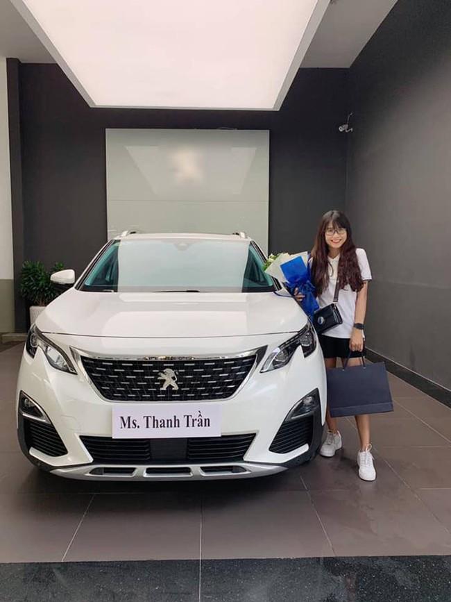 Thanh Trần khoe mua xe hơi tiền tỷ ở tuổi 21, tiết lộ từng bị đại gia gạ tình khi còn độc thân - Ảnh 1.
