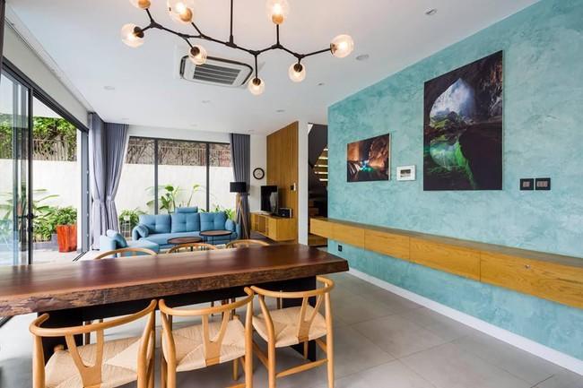 Ngôi nhà có tầm nhìn thẳng ra sông Sài Gòn với thiết kế mộc mạc nhưng sự tiện nghi thì không chê vào đâu được - Ảnh 4.