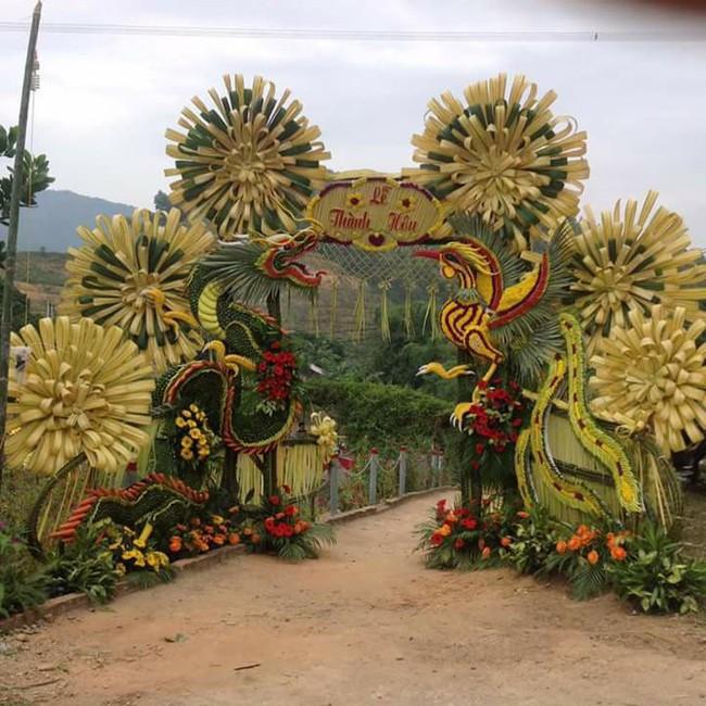 Cổng cưới kết bằng lá dừa - nét văn hóa đặc sắc chứa đựng trọn vẹn nghĩa xóm tình làng của người miền Tây - Ảnh 11.