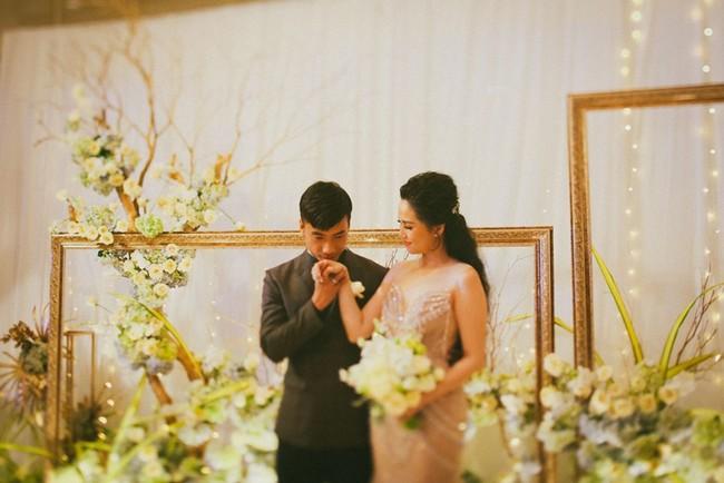 Cặp đôi chịu chơi dành cả thanh xuân bay từ Jeju đến Paris để chụp ảnh và bày thành quả đặc biệt trong tiệc cưới - Ảnh 15.