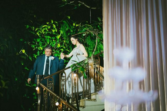 Cặp đôi chịu chơi dành cả thanh xuân bay từ Jeju đến Paris để chụp ảnh và bày thành quả đặc biệt trong tiệc cưới - Ảnh 10.