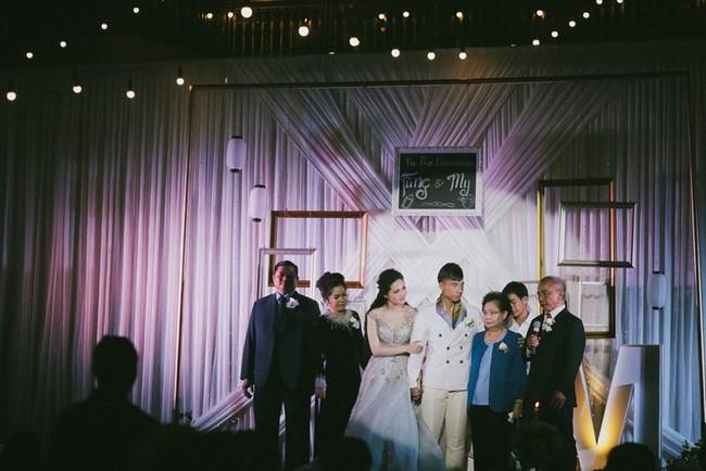 Cặp đôi chịu chơi dành cả thanh xuân bay từ Jeju đến Paris để chụp ảnh và bày thành quả đặc biệt trong tiệc cưới - Ảnh 16.
