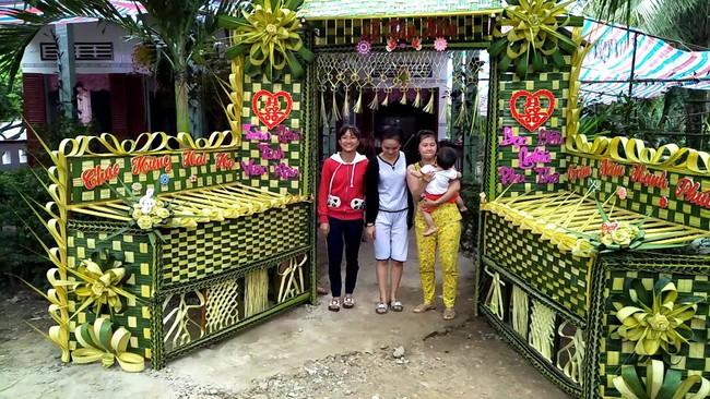 Cổng cưới kết bằng lá dừa - nét văn hóa đặc sắc chứa đựng trọn vẹn nghĩa xóm tình làng của người miền Tây - Ảnh 7.