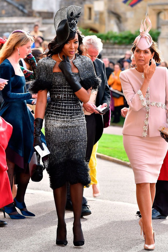 Đám cưới Công chúa Eugenie: Cara Delevingne chơi trội diện đồ nam, làm lu mờ cả Công nương Kate và Meghan - Ảnh 5.