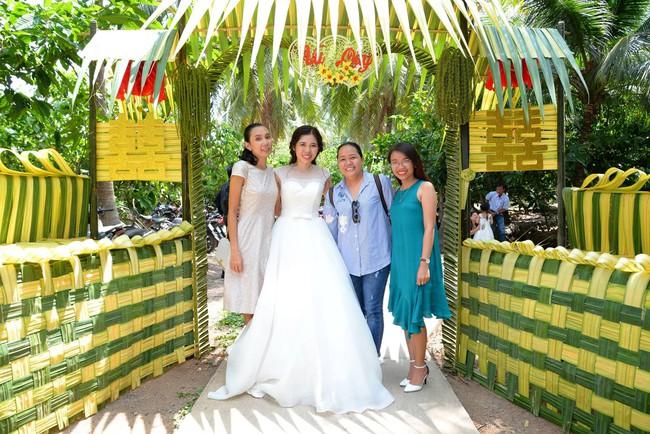 Cổng cưới kết bằng lá dừa - nét văn hóa đặc sắc chứa đựng trọn vẹn nghĩa xóm tình làng của người miền Tây - Ảnh 5.