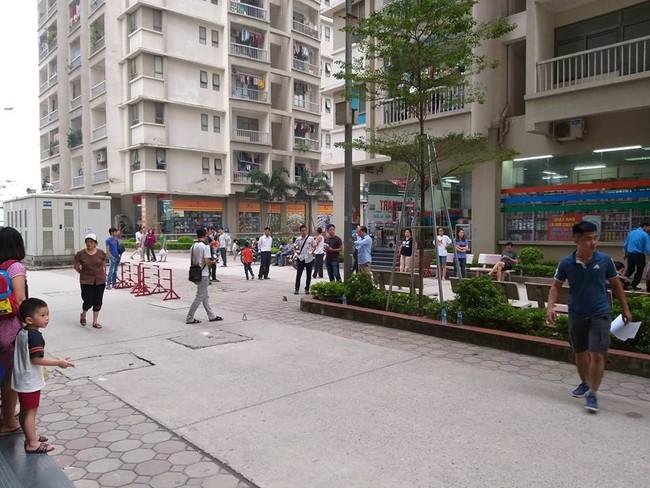 Hà Nội: Người phụ nữ bị bắn 2 phát súng nghi do mâu thuẫn vợ chồng tại chung cư   - Ảnh 3.